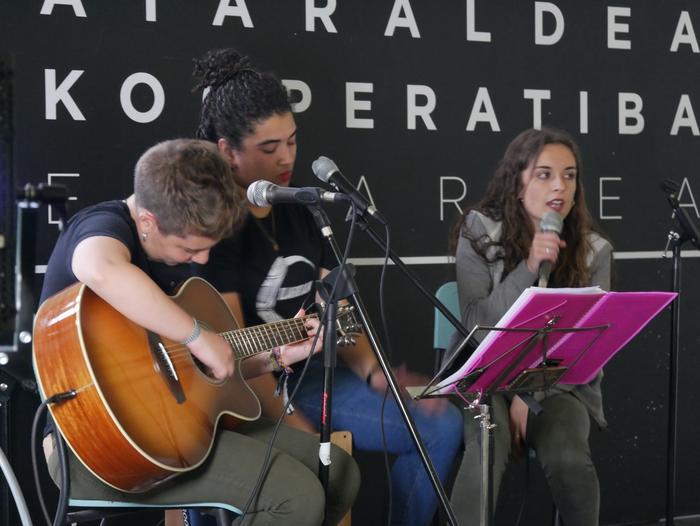Aiaraldeko emakume feministen topaketa argazkitan - 107