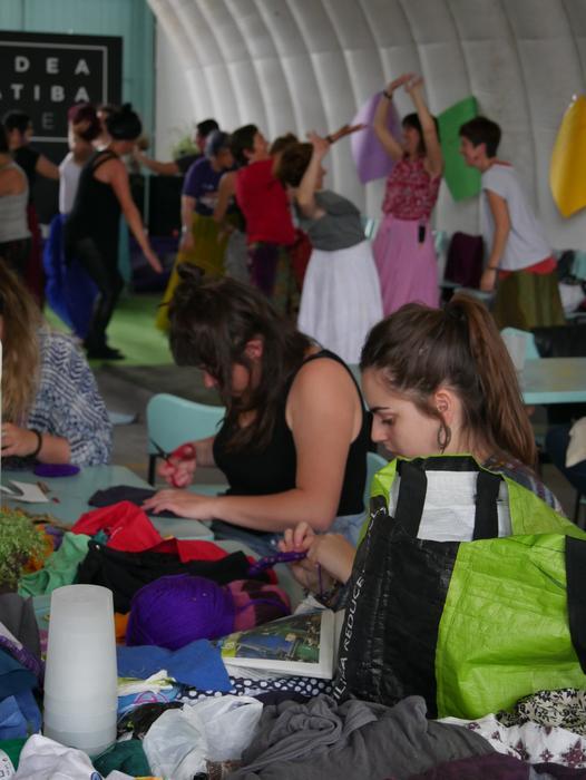Aiaraldeko emakume feministen topaketa argazkitan - 99