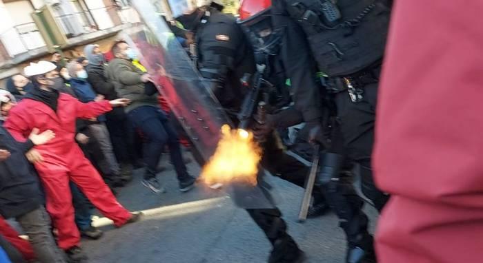 Giza baliabide eta material gehiago eskatu dituzte sindikatu polizialek, Tubacexeko protesten harira