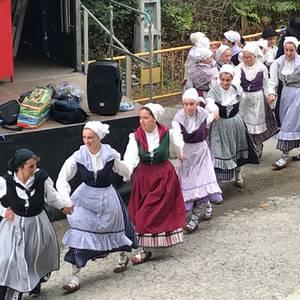Gastronomia, dantza, umeentzako ekintzak eta musika uztartu zituzten Katadioko jaiek