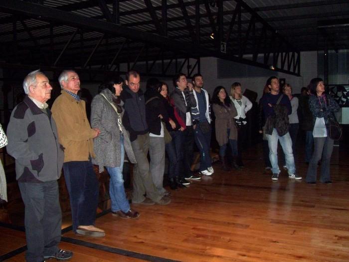 Berbalagun taldea: Santxotena tailer museora bisita gidatua