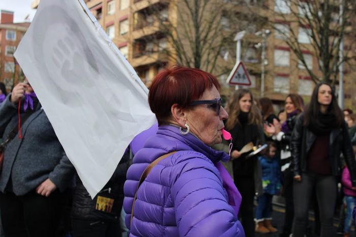 Ehunka emakume* grebalarik hartu dituzte Aiaraldeko kale eta plazak - 205