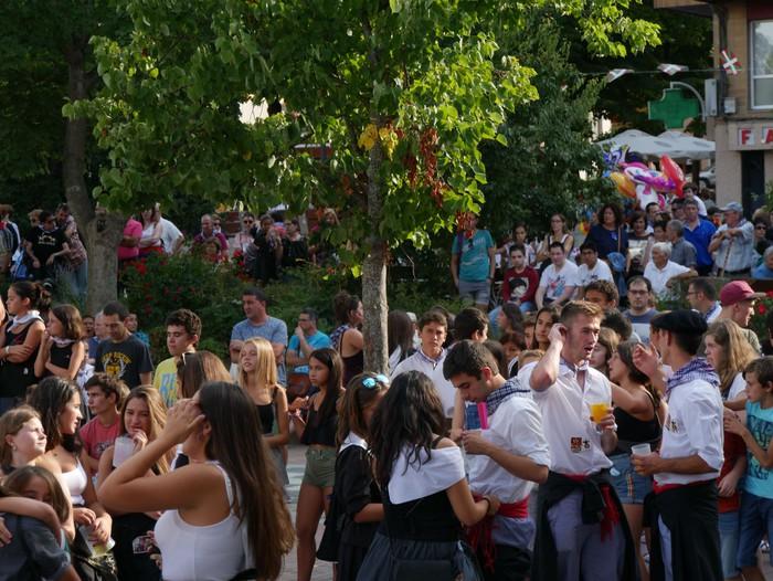 Iguarrakoarekin batera aireratu da festa - 12