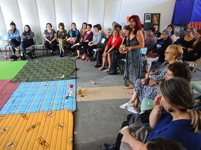 Aiaraldeko emakume feministen topaketa argazkitan - 33