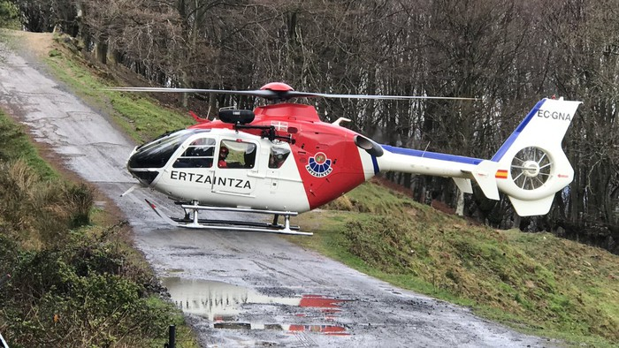 Santa Marinan istripua izan duen txirrindularia helikopteroz eraman dute Gurutzetako ospitalera