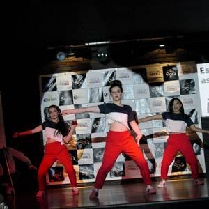 Gazela aretoa beteta Laudio Ikastolaren moda desfilean