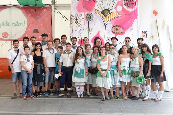 Aldai plaza txiki geratu da koadrilen bazkarian eta Laudio's Got Talent norgehiagokan - 186