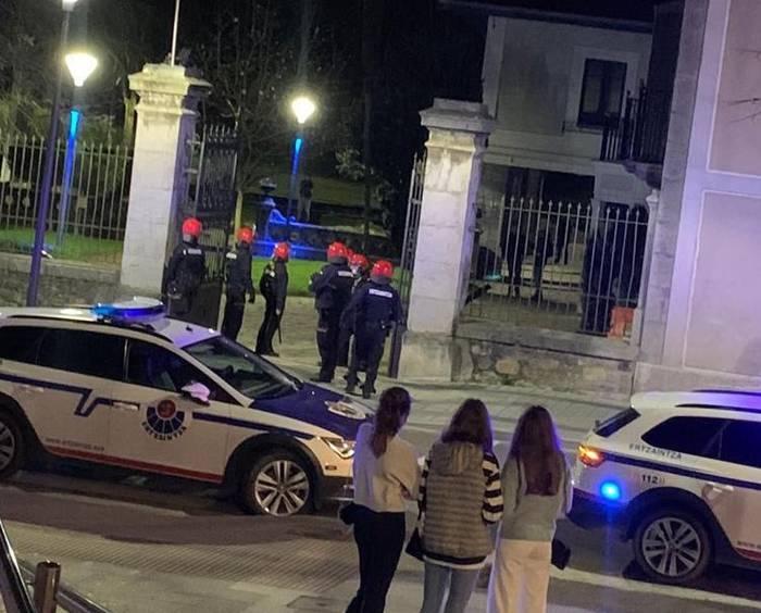 171 isun jarri ditu poliziak Aiaraldean urtarrilean, COVID-19aren aurkako neurriak ez betetzeagatik