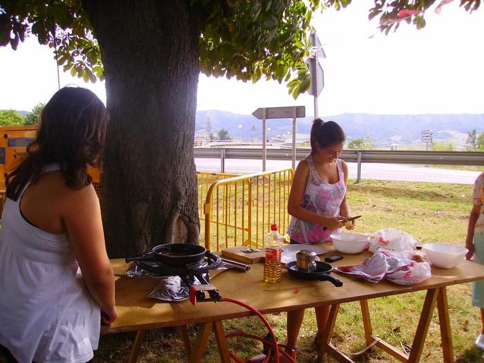 Patata-tortilla lehiaketa Antigua auzoan