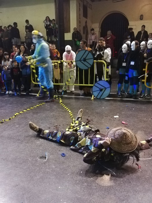 Estralurtarrek ere ez zuten galdu atzo Aratusteen desfilea Artziniegan - 14