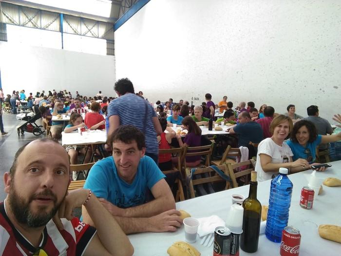 Ikasle eta guraso andana bildu da Latiorro ikastetxeko festan - 16