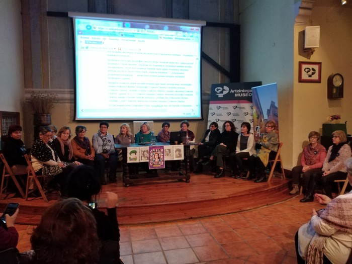 Eskualdeko talde eta elkarte feministei aitortza egin zieten Berdintasun topaketan - 6