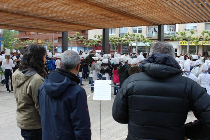 San Anton plazan egin dute umeek San Prudentzioko danborrada - 16