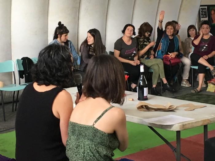 Aiaraldeko emakume feministen topaketa argazkitan - 40