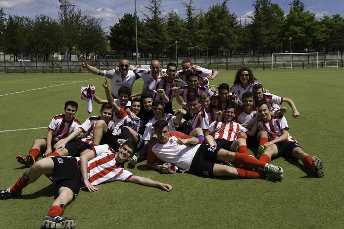 CD Laudioko gazteek lortu dute sailkapena Euskal Ligako play-offak jokatzeko - 74