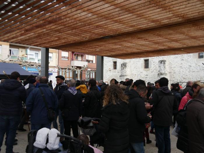 Ehunka pertsona bildu ditu Amurrioko San Anton azokak aurten - 50