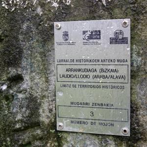 ARGAZKI BILDUMA: Mugarrien berrikuspena Santa Anan (Areta)