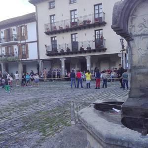 Alde Zaharreko jaiak ospatu dituzte Goiko plazan