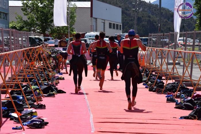 Bigarren postua lortu zuten Oinkariak taldeko kideek  Beriango Taldekako Erlojupeko triatloian, Open kategorian - 4