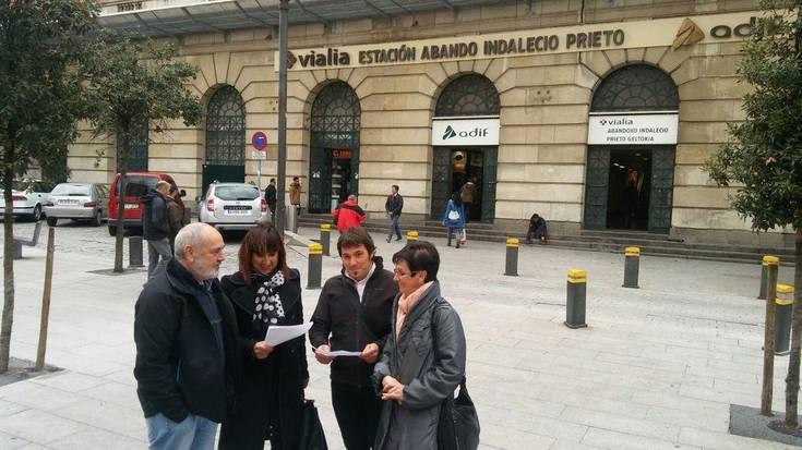 """Trenbidearen """"irisgarritasuna eta segurtasuna"""" bermatzeko obrak iragarri dituzte ADIFek eta RENFEk"""