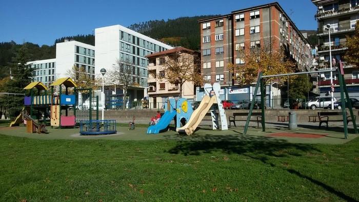 Aretako parkeko joko zonaldea estaltzeko proiektuak zonalde berria ahalbidetuko du Santa Anan - 1