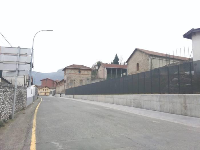 Errepide mozketak San Francisco eta Carretera Vitoria kaleetan