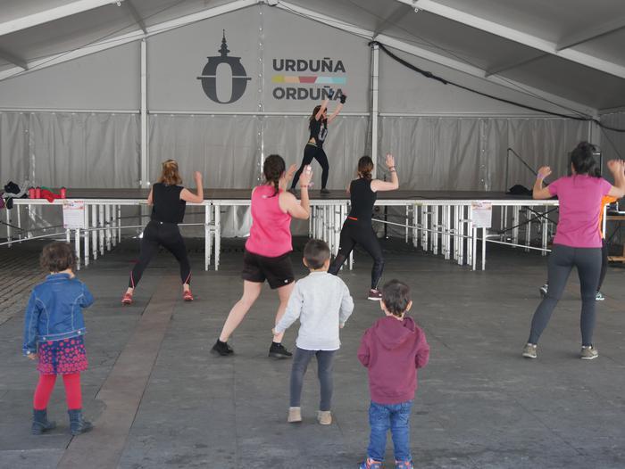 Dantza eta kirolarekin bukatu zuten Korrika Kulturala Foru plazan - 17