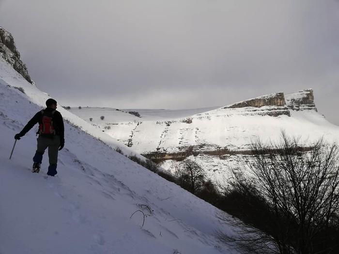 [KRONIKA] Iturrigorri: oinatz zuriek koloreztatutako paisaia - 2