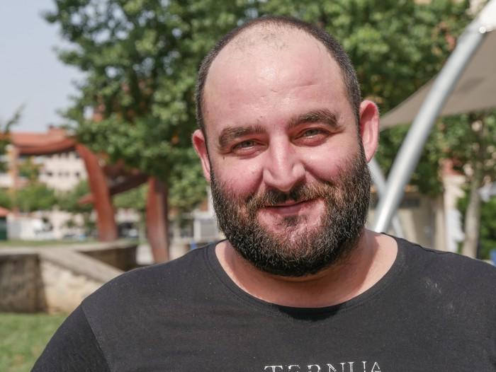 """""""19 urterekin etorri nintzen eraikuntzan lan egitera eta hemen egin dut bizitza"""""""