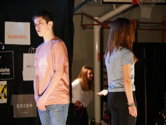 Ikasbidaia antolatzeko moda desfilea egin zuten ikastolan - 45