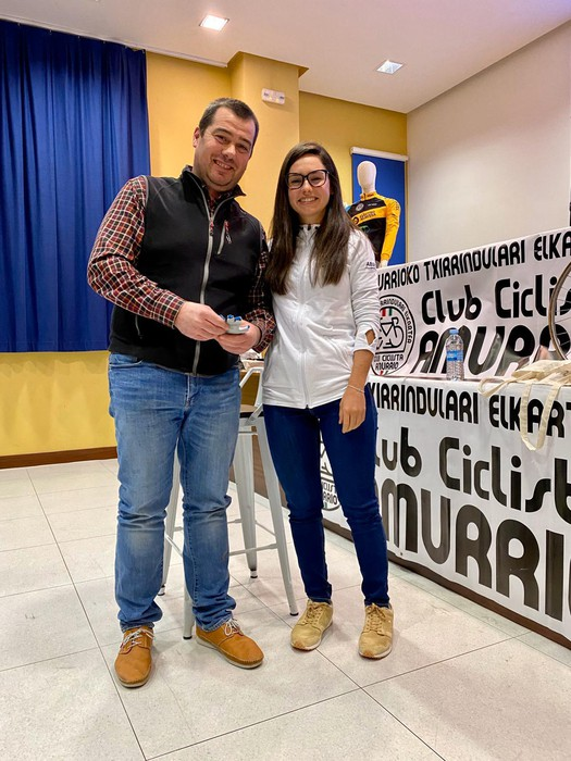Lourdes Oyarbide Movistarreko txirrindulariak solasaldia eskaini zuen ostiralean Amurrion - 9