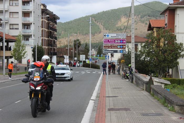 Euskal Herriko itzuliak eskualdeko errepideak hartu ditu - 25