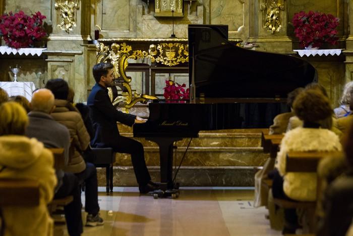 Antonio Oyarzabalek piano kontzertu jendetsua eskaini zuen atzo - 11