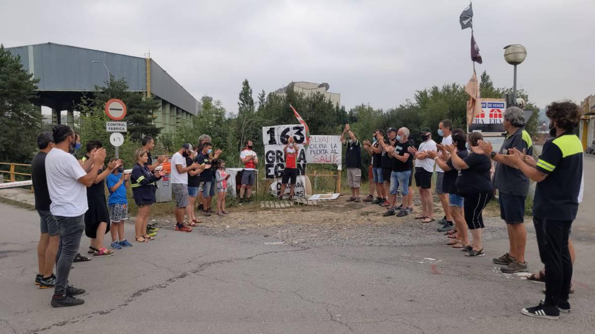 Irati Luzuriaga eta Josu Apraiz garaile Oinkariak taldean Tubacexeko langileen alde antolatutako lasterketan