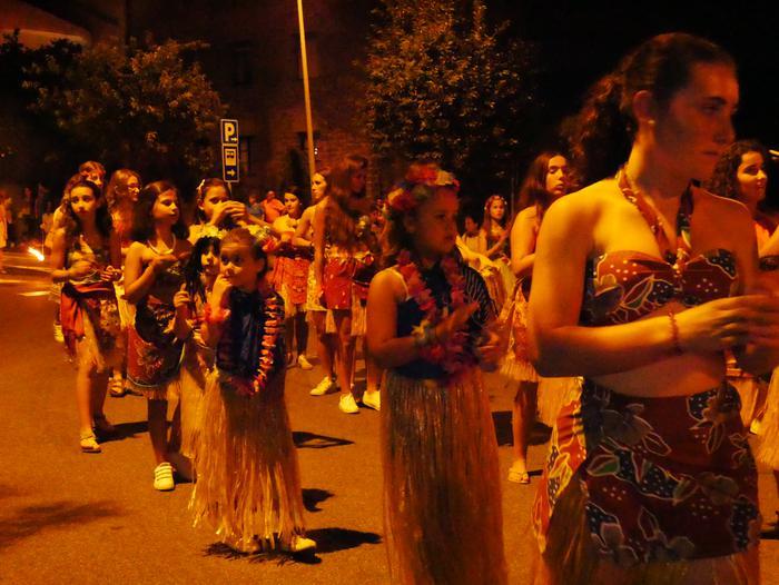 Irudimen uholde batek zeharkatu ditu Amurrioko kaleak karrozen desfilean - 42