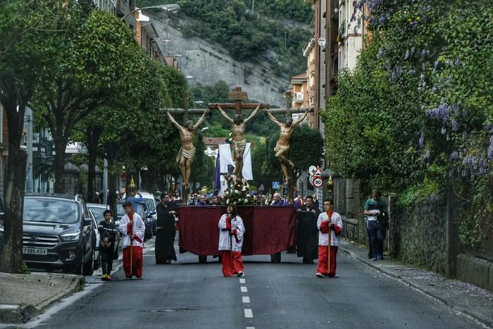 Laudion ere prozesioak hartu zuen kalea Ostiral Santuan - 11
