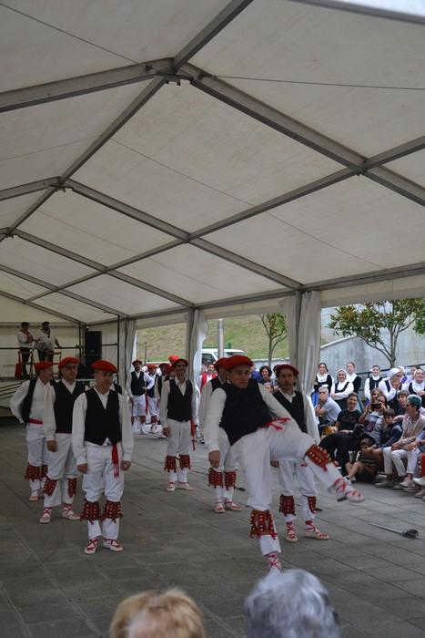 Untzueta dantza taldeak 35. urteurrena ospatu zuen atzo - 58