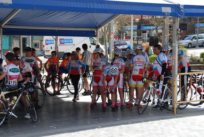 Pablo Fernandezek irabazi zuen sprintean Aiarako Birako lehen etapa - 10