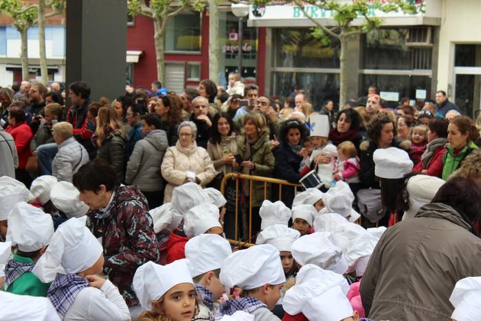 San Anton plazan egin dute umeek San Prudentzioko danborrada - 40