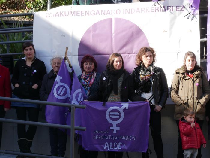 Indarkeria matxistaren aurka mobilizatu dira eskualde osoan - 93