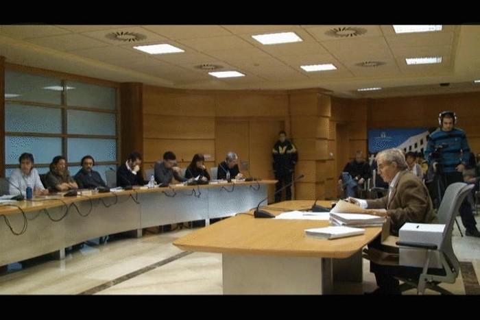 Atzera bota du Laudioko Udalbatzak Madrilen epaituak izan behar diren 19 aiararren aldeko proposamena