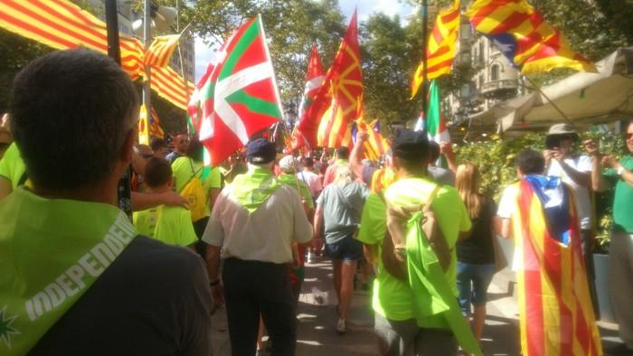 Eskualdeko zenbait herritar egon ziren atzo Diadan Independentistak sarearen ordezkaritzan - 1