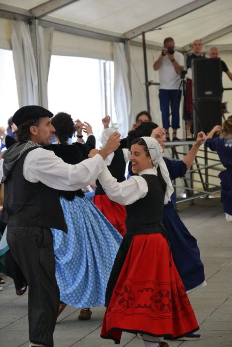 Untzueta dantza taldeak 35. urteurrena ospatu zuen atzo - 123