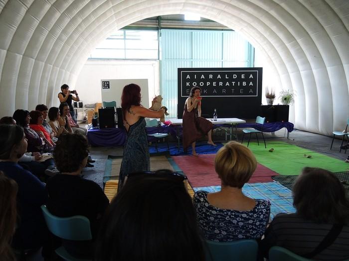 Aiaraldeko emakume feministen topaketa argazkitan - 28