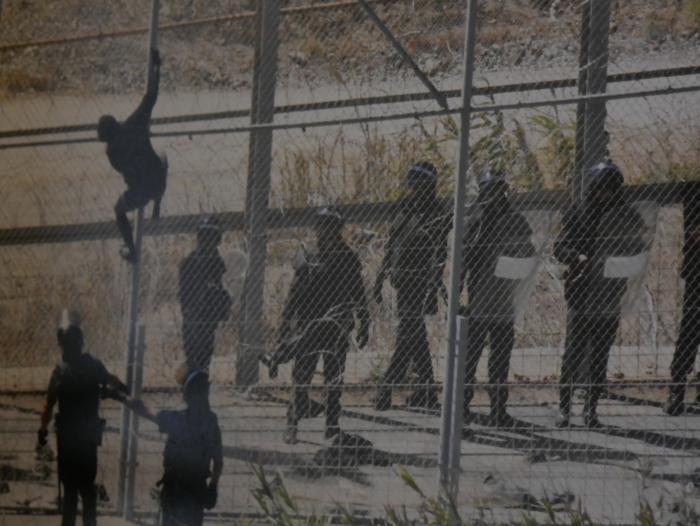 Errefuxiatuei buruzko erakusketa jarri dute Otueta Gizarte Etxean - 13