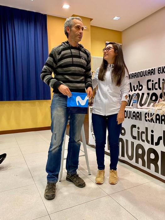 Lourdes Oyarbide Movistarreko txirrindulariak solasaldia eskaini zuen ostiralean Amurrion - 8