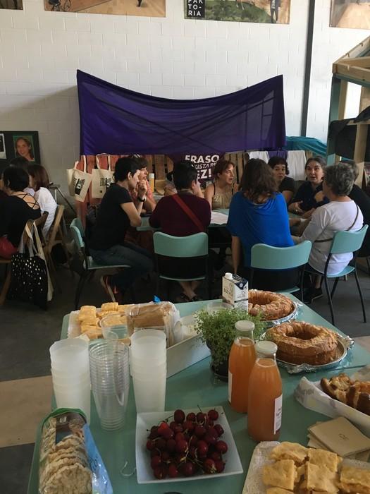 Aiaraldeko emakume feministen topaketa argazkitan - 43