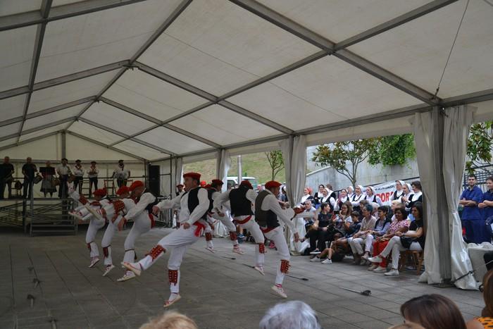 Untzueta dantza taldeak 35. urteurrena ospatu zuen atzo - 77
