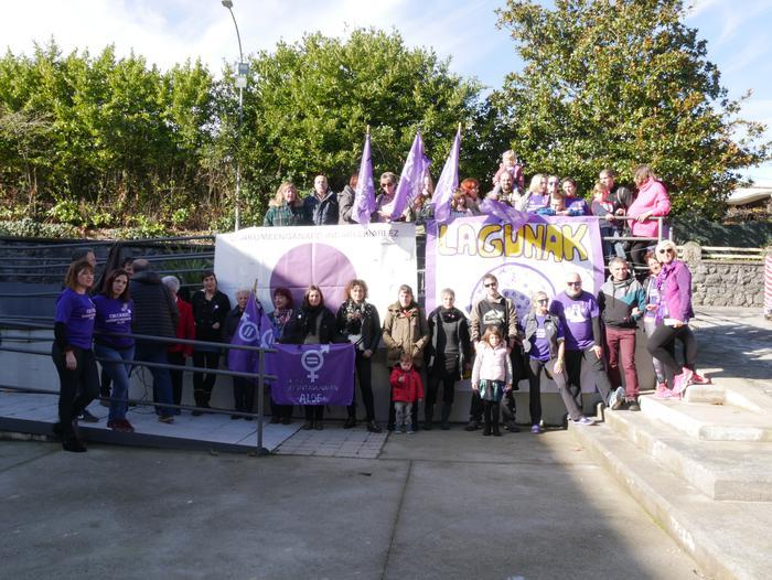 Indarkeria matxistaren aurka mobilizatu dira eskualde osoan - 92