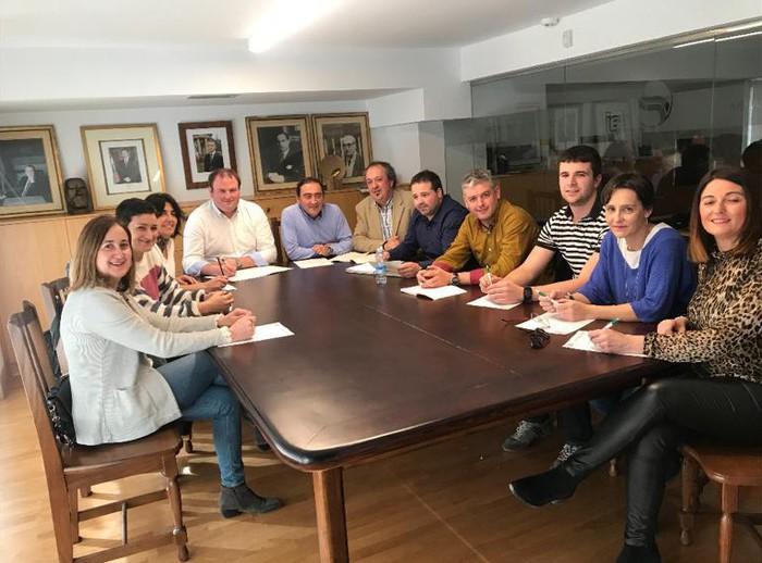 Aiaraldeko EAJko alkategaiek lan saioak egin dituzte euskararen normalizazio politikak partekatzeko